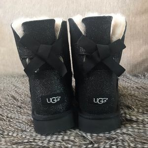 🆕 UGG Mini Bailey Bow Sparkle Boots Size 8